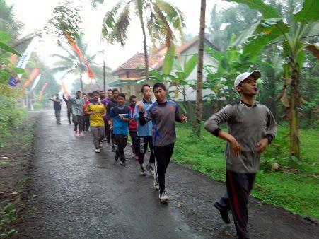 Ayo Lari Pagi Bersama Santri